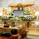 家族葬って一般のお葬式と何が違うの?注意点とマナーについて